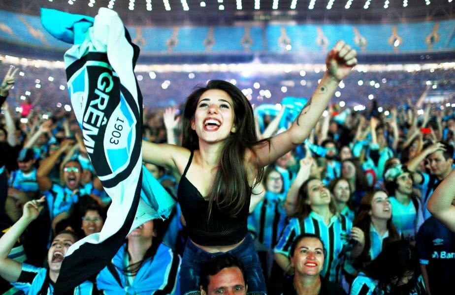 Finala Cupei Libertadores: Lanus-Gremio, 1-2 (1-3). Fanii brazilieni au sărbătorit trofeul, foto: reuters