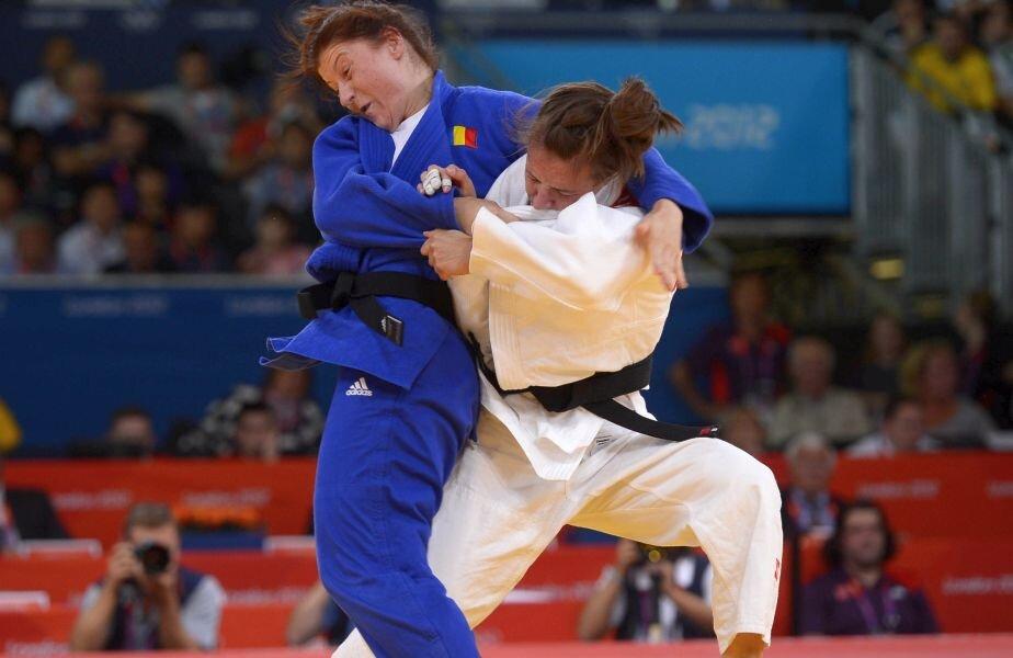 Corina Căprioriu pe tatami la Jocurile Olimpice de la Londra, acolo unde a obținut argintul  // FOTO: Raed Krishan