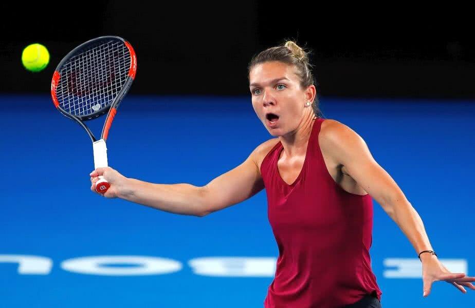 Simona Halep se antrenează intens sub toridul soare australian pentru a fi pregătită pentru primul Slam al anului // FOTO: Guliver/ Getty Images