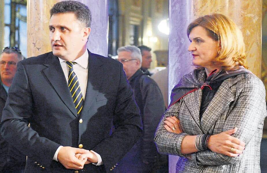 Cosac e prins în menghina ilegalităţilor la FRT pe încălcări repetate ale unor proceduri, sesizate de Lipă la numeroase federaţii din timpul mandatului de ministru FOTO sportpictures.eu