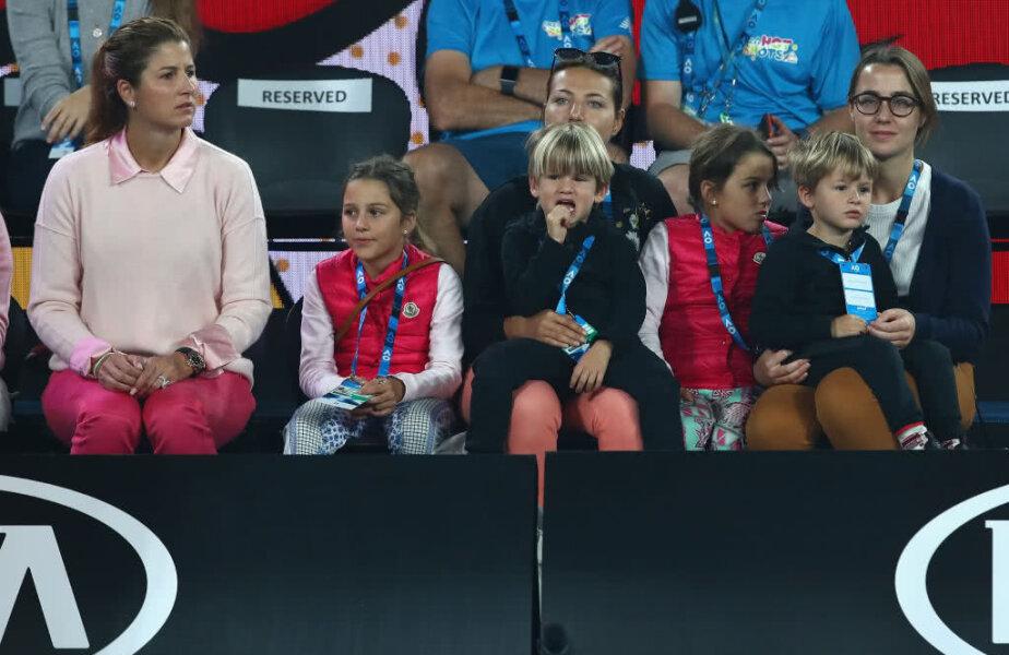 Mirka împreună cu cei 4 copii ai familiei, Myla Rose, Charlene Riva, Lenny și LeoFederer FOTO: Guliver/GettyImages
