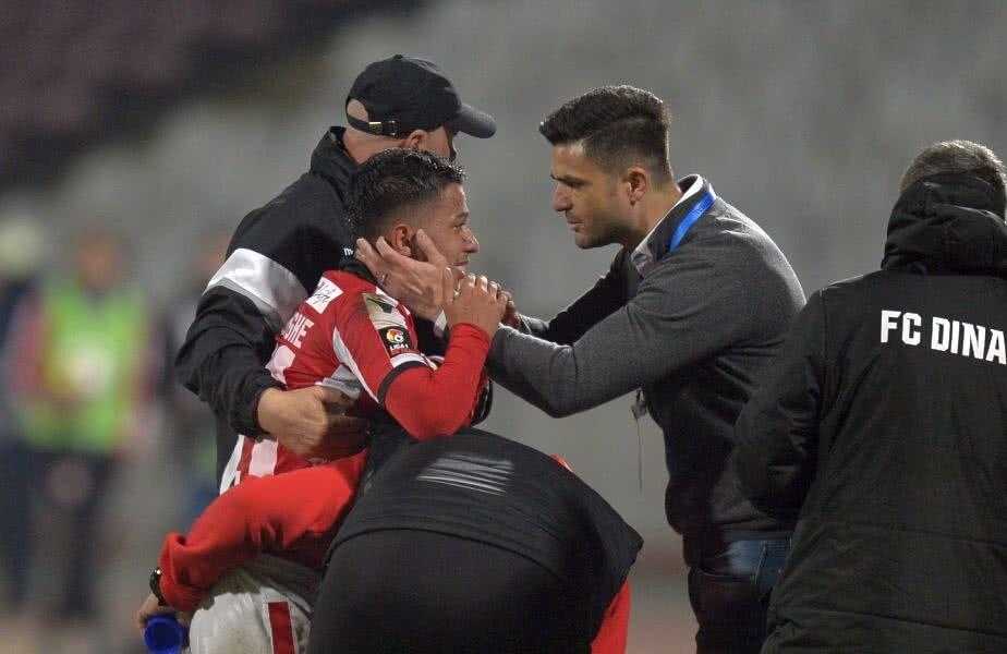 ÎN LACRIMI. Tânărul Liviu Gheorghe, internațional U19, devastat după o accidentare gravă în meciul Dinamo - Juventus (foto: Raed Krishan)