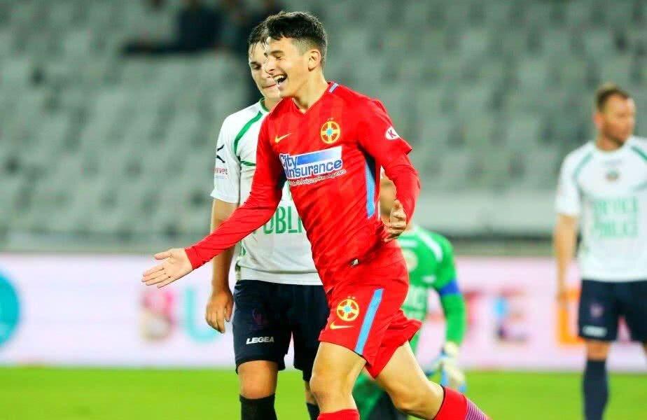 Ianis Stoica după marcarea primului gol pentru echipa mare a FCSB-ului
