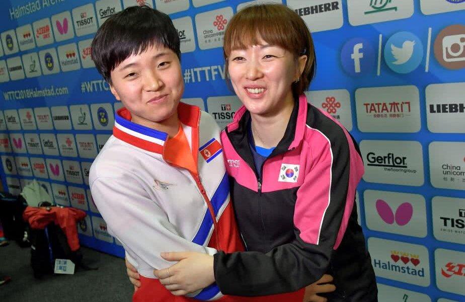 Două participante de la cele două rivale, foto: reuters