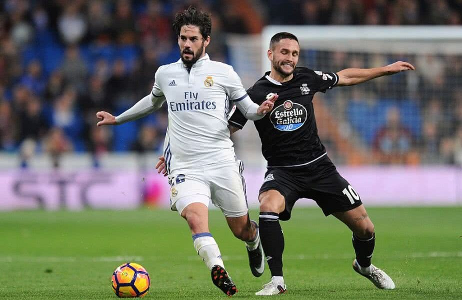 Florin Andone în duel cu Isco FOTO: Guliver/GettyImages