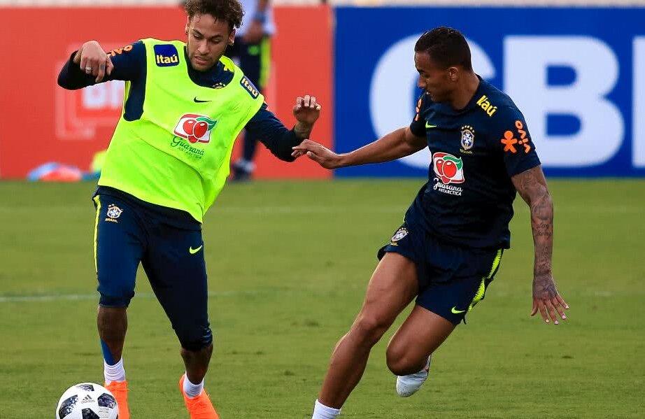 Neymar și Danilo, la un antrenament al Braziliei din acest an // FOTO: Guliver/ Getty Images