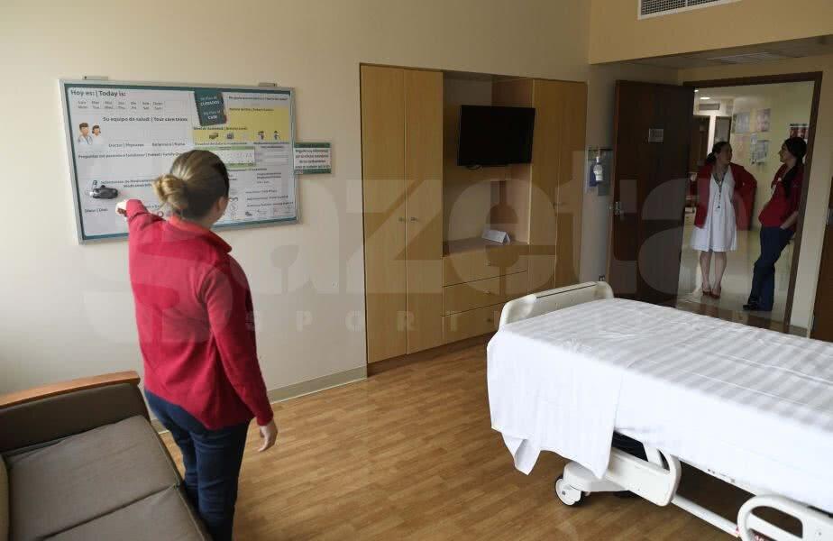 Așa arată un salon la Cima Hospital. Pe perete este un panou pe care sunt trecute cu markerul detaliile pacientului. Foto: Raed Krishan
