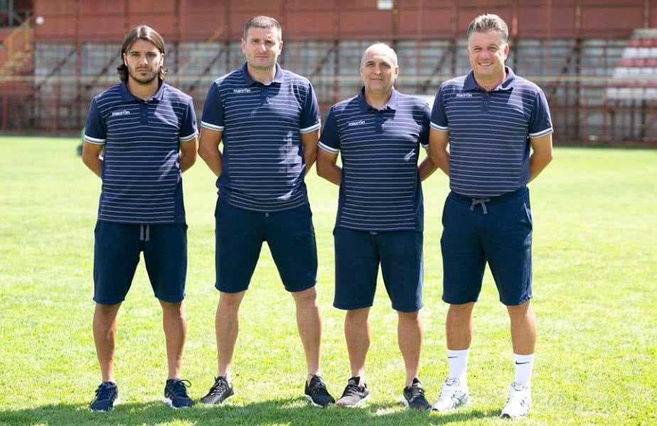 Balint (al doilea de la stânga la dreapta) alături de stafful său de la Snagov