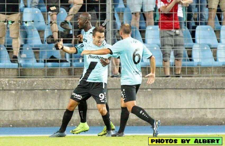 Sinani (numărul 9), sărbătorind golul din manșa tur  a play-off-ului Europa League contra celor de la CFR Cluj, scor 2-0 FOTO: Facebook @Dudelange