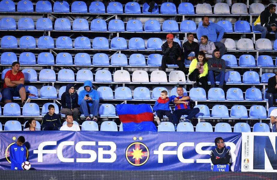 Imagine de la partida FCSB - Dunărea 2-0, la care au asistat numai 700 de oameni FOTO Raed Krishan