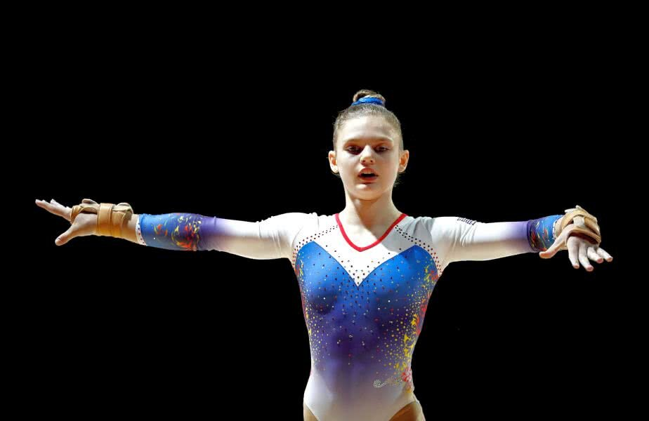 Denisa Golgotă, gimnasta de care se legau speranțele pentru o medalie, a suferit o contractură musculară înainte de plecarea spre Doha FOTO Guliver/GettyImages