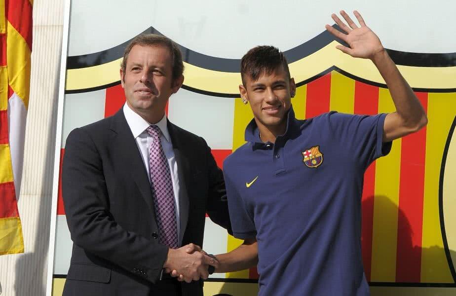 Sandro Rosell și Neymar, în 2013, după transferul la Barcelona // FOTO: Guliver/GettyImages