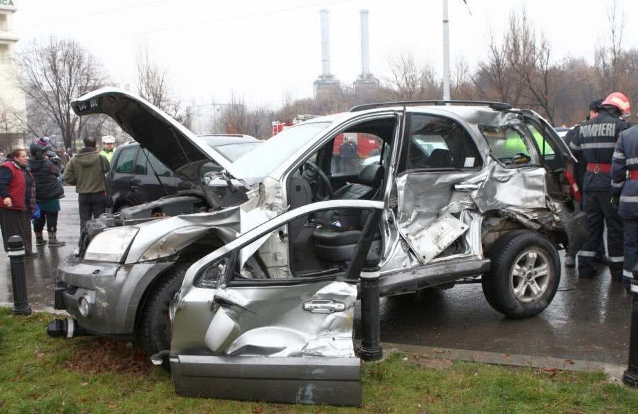 Mașina lui Mircea Lucescu a fost serios avariată după accident