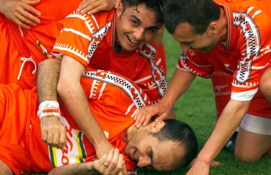 Daniel Iftodi, în dreapta, pe vremea când evolua la Dinamo, alături de Florentin Petre și Jean Vlădoiu