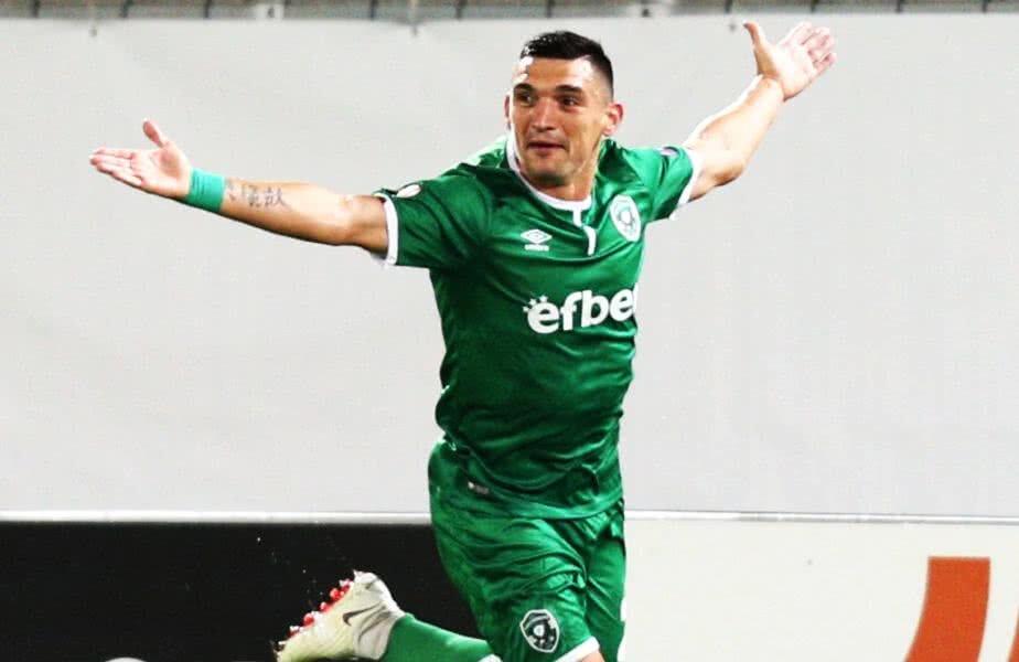 Keșeru are un gol în actuala ediție a grupelor Europa League, reușit în înfrângerea cu Bayer Leverkusen, 2-3 // FOTO: Reuters