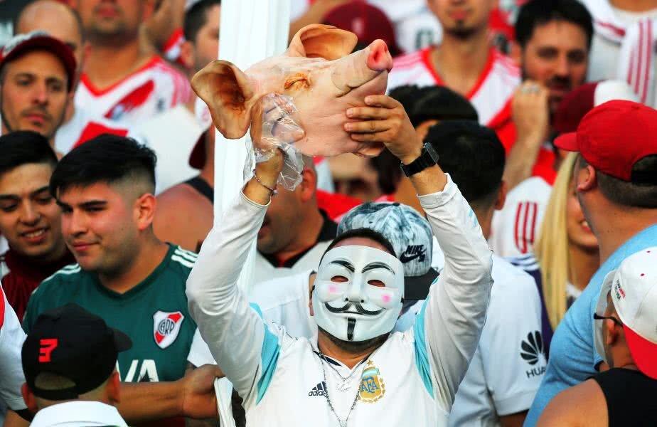 Fanii lui River au speriat pe toată lumea sâmbătă seara // FOTO: Reuters