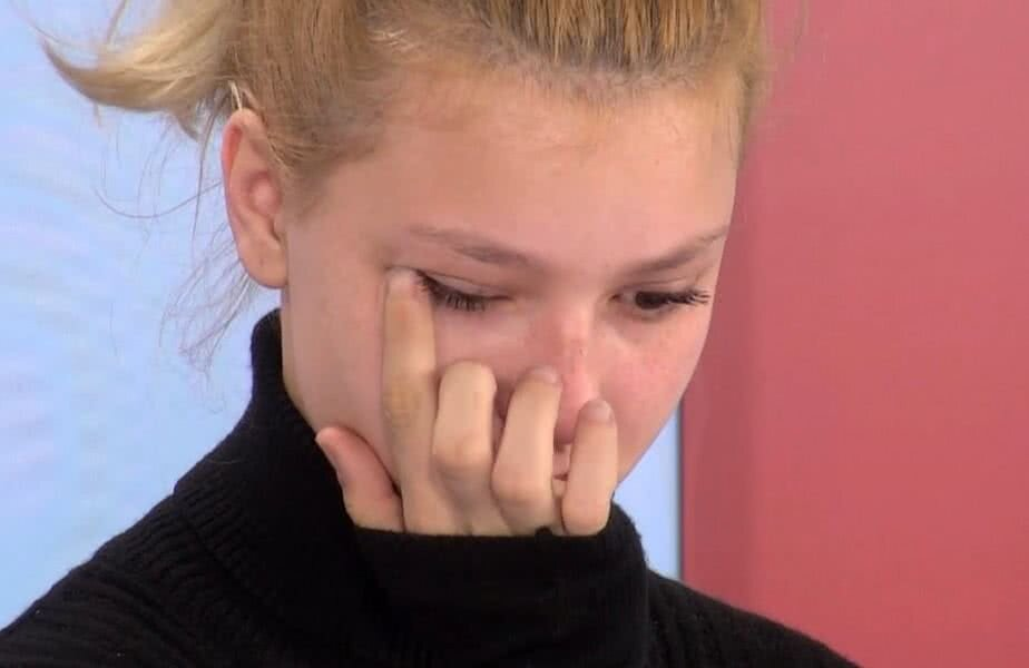 Cătălina Rob Ditan nu și-a putut stăpâni lacrimile în timpul intervenției talefonice a mamei sale