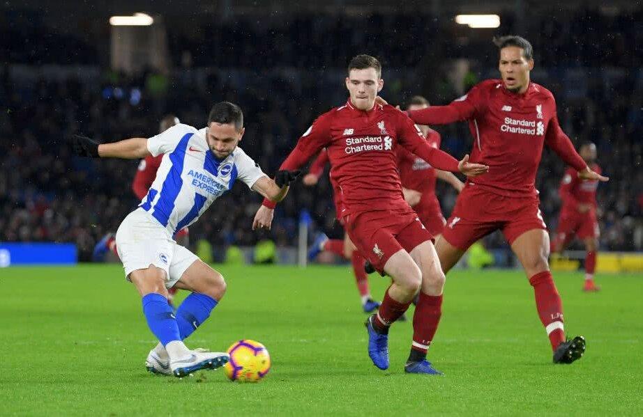 Florin Andone (stânga) rămâne cu cele 3 goluri în acest sezon la Brighton Foto: Guliver/Getty Images