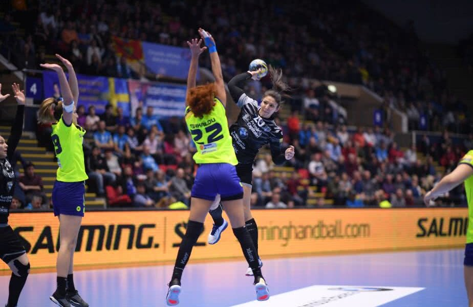 Claudia Constantinescu a prins 3 minute la CSM în două meciuri de Liga Campionilor FOTO Raed Krishan