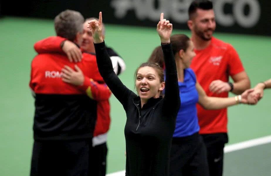 Simona Halep sărbătorește victoria cu Cehia // Foto: Reuters