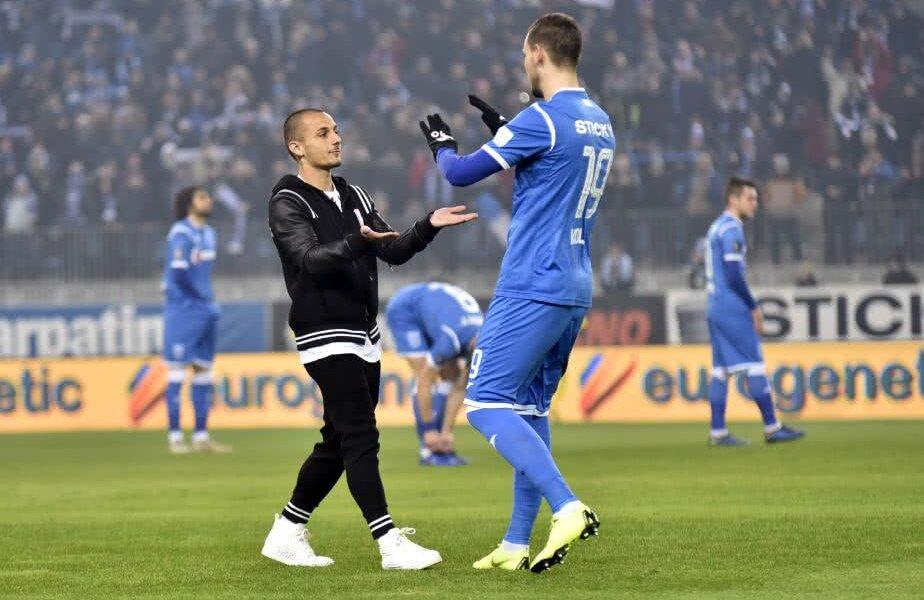 Alexandru Mitriță, în stânga