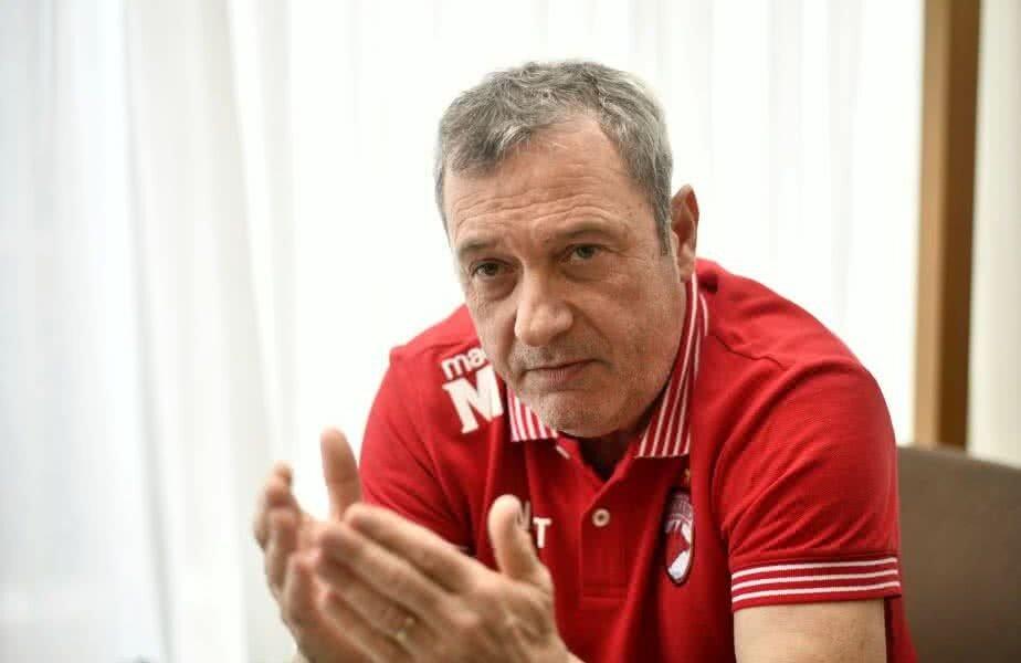 Mircea Rednic mizează și pe factorul financiar ca să-i motiveze pe jucătorii aduși de el la Dinamo, mai ales că aceștia au, în medie, câte 4.000 de euro pe lună salariu acum // FOTO: GSP