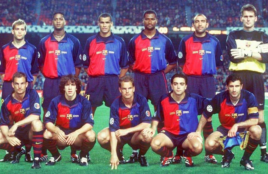 Rivaldo, în echipa Barcei din sezonul 1999-2000: (sus, de la stânga la dreapta) Gabri, Kluivert, Rivaldo, Bogarde, Abelardo, Hesp, (jos) R. De Boer, Puyol, F. De Boer, Xavi, Figo, foto: Guliver/GettyImages