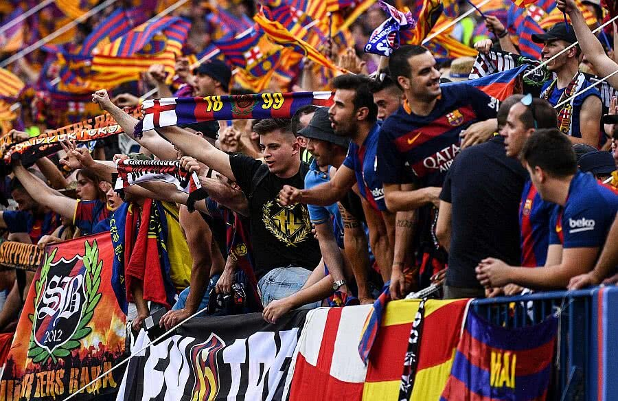 Fani care o susțin pe FC Barcelona, foto: Guliver/gettyimages
