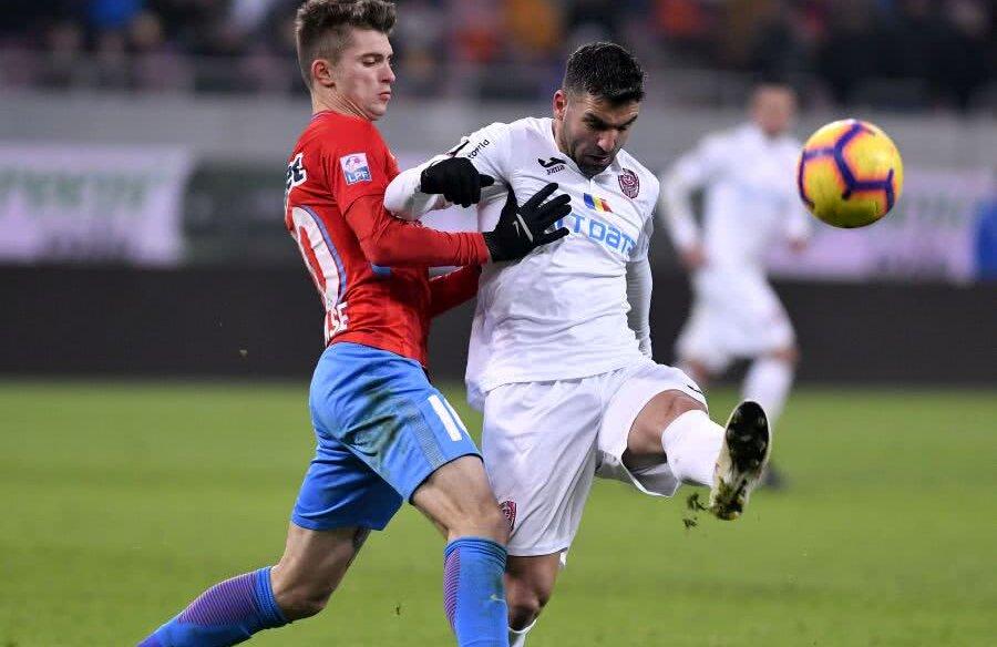 Tănase a avut serios de furcă cu argentianul Culio în ultimul meci jucat la București, partidă după care Dică a fost dat afară FOTO sportpictures.eu