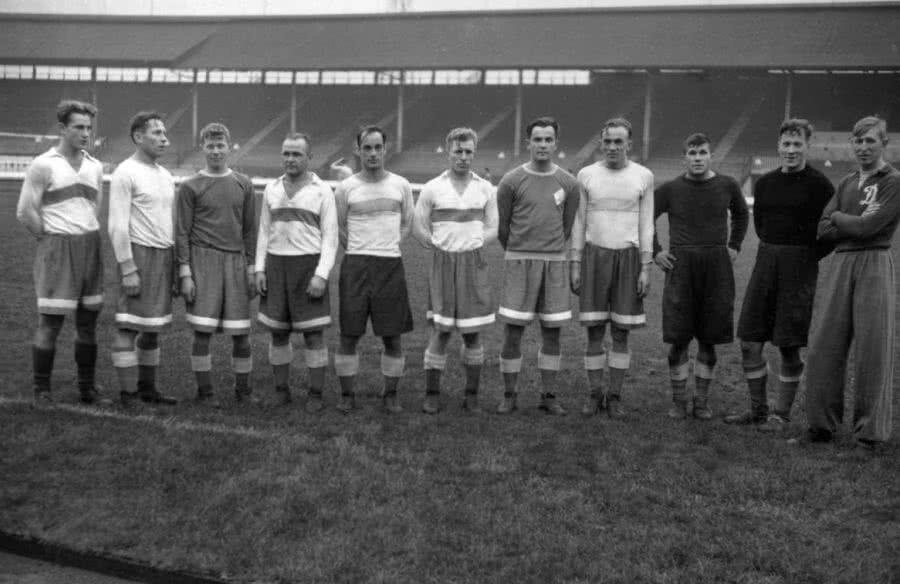 Jucătorii pe care Dinamo Moscova îi deplasase în 1945 în turneul din Anglia