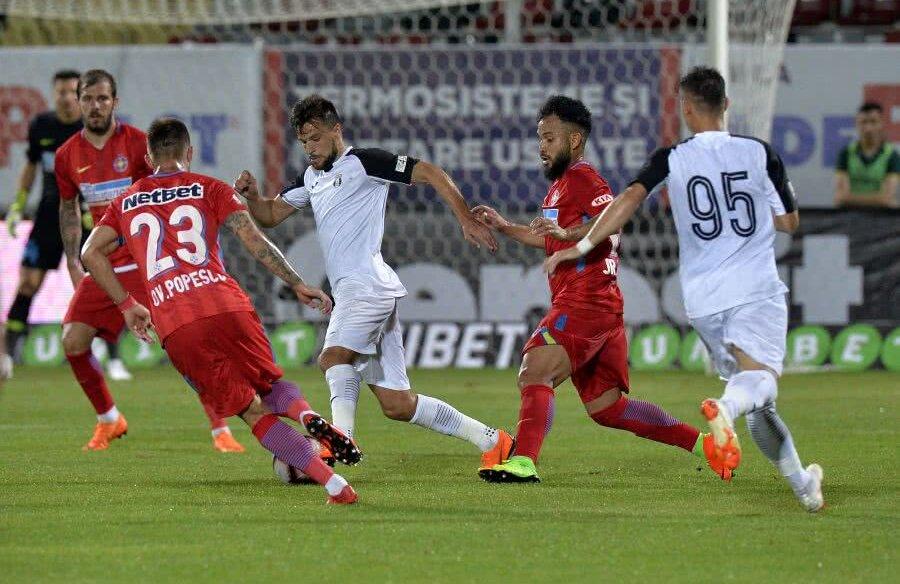 Duelul Lllullaku - Benzar, din prima etapă a campionatului regulat, a fost câștigat clar de albanez, care a marcat golul cu care Astra a câștigat FOTO Cristi Preda