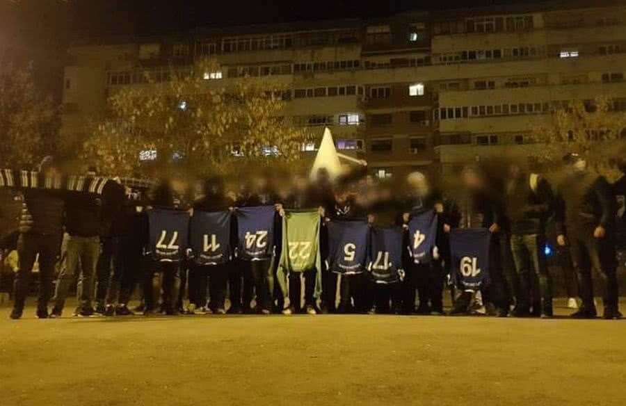 Fanii echipei lui Adrian Mititelu i-au umilit pe jucători după remiza de la Pucioasa // Sursă foto: Facebook Peluza Sud 1997