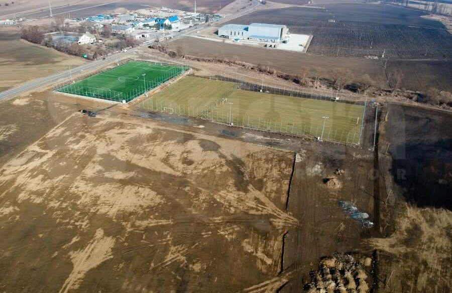 Așa arată amprenta noului stadion care se va   construi la Sfântu Gheorghe și cele 3 terenuri de   antrenament  FOTO: Raed Krishan
