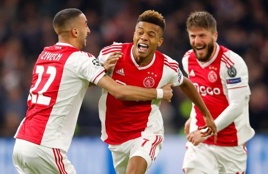 David Neres (centru) a sărbătorit intens golul marcat în poarta lui Juventus, în remiza 1-1