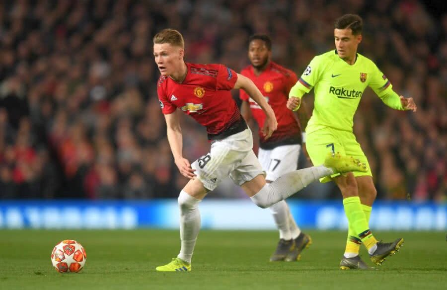 McTominay în duel cu Coutinho FOTO: Guliver/GettyImages