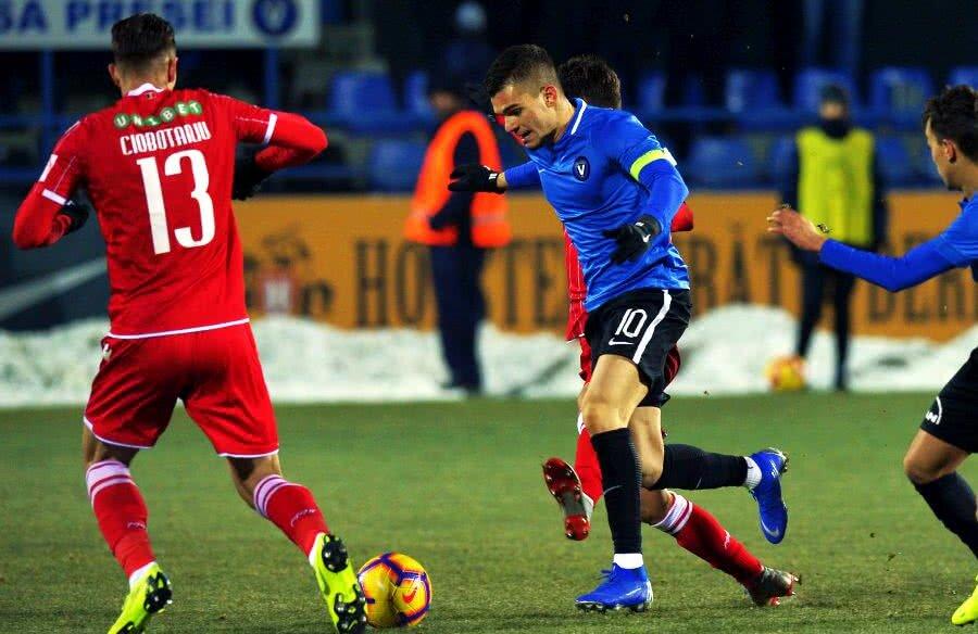 Ianis Hagi, unul dintre cei mai importanți jucători care au profitat de regula U21 // FOTO: GSP