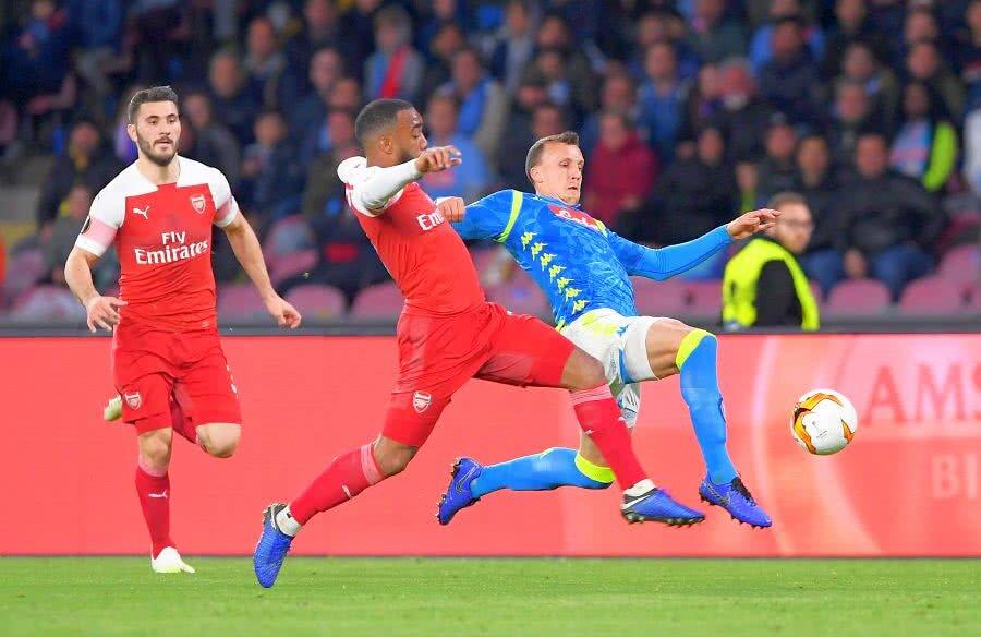 Vlad Chiricheş a bifat joi al 12-lea meci în Europa la Napoli, dintre care zece în EL