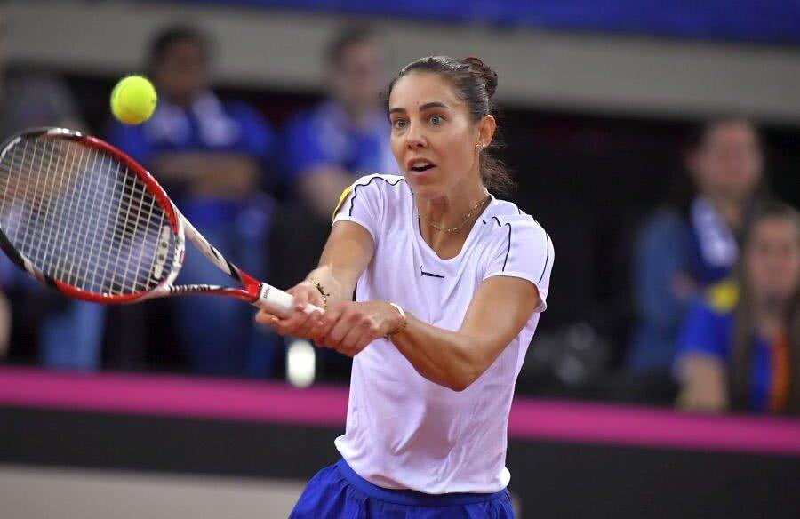 Mihaela Buzărnescu, în meciul contra Carolinei Garcia // FOTO: Raed Krishan