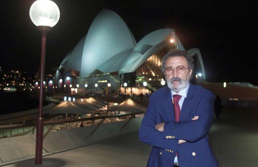 Ion Țiriac la Sydney, cu celebra Operă pe fundal, înainte de începerea agitatei ediții a JO // FOTO Mediafax