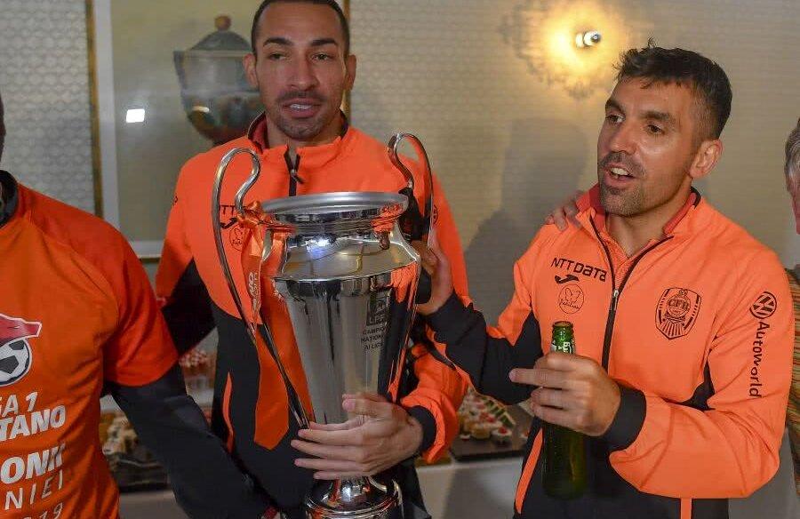 Jucătorii CFR-ului au petrecut ore bune după victoria contra Craiovei