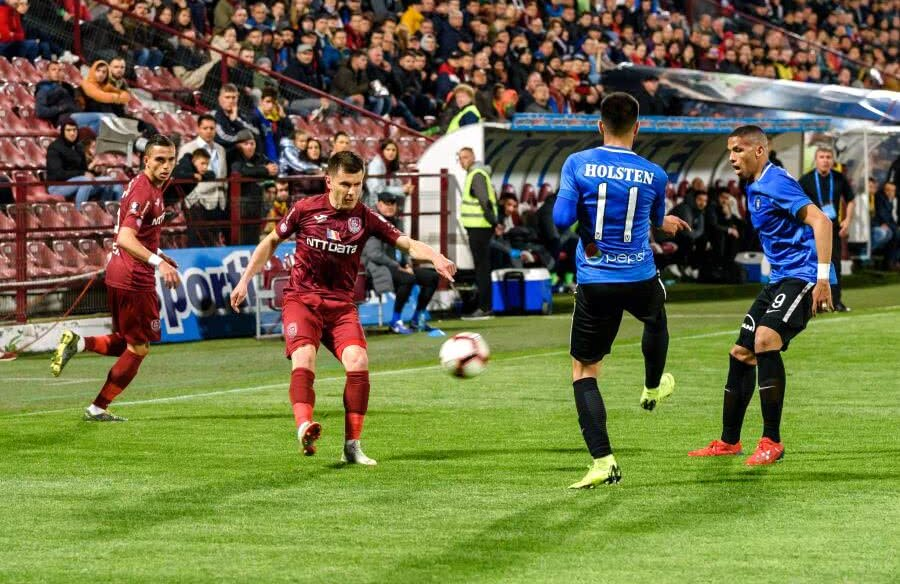 Mihai Bordeianu, la balon, într-un meci cu Viitorul