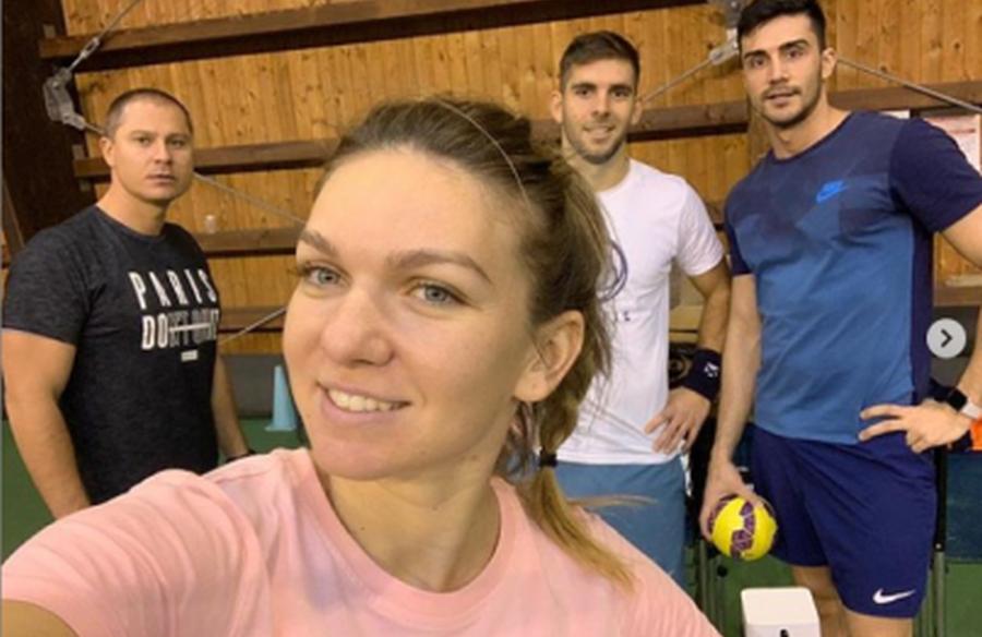 Simona Halep într-o imagine din decembrie 2018 alături de Andrei Cristofor, Vasile Antonescu și Teo Cercel