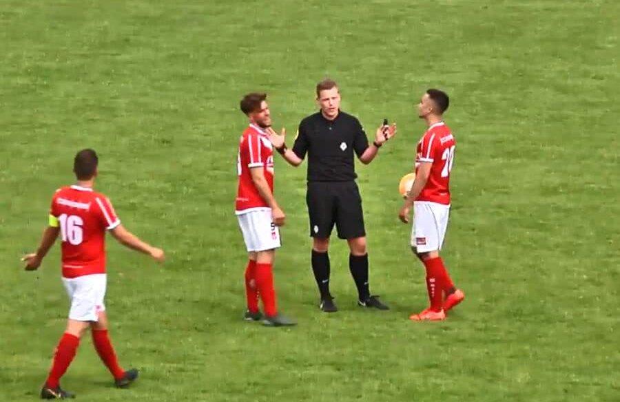Un arbitru din Olanda a înscris și a validat golul