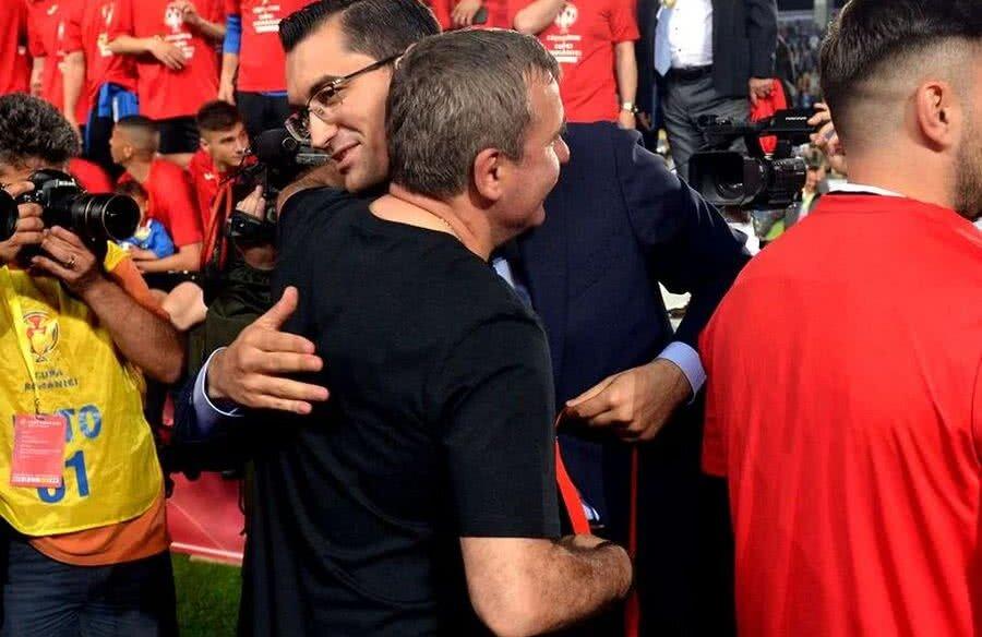 Hagi și Burleanu s-au îmbrățișat călduros după finala Cupei // FOTO: Libertatea