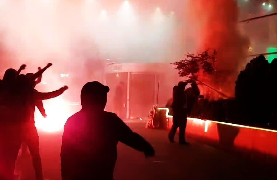 Ultrașii lui Dinamo au făcut haos la RIN, marți seara