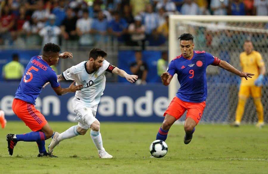 Messi vs. Falcao