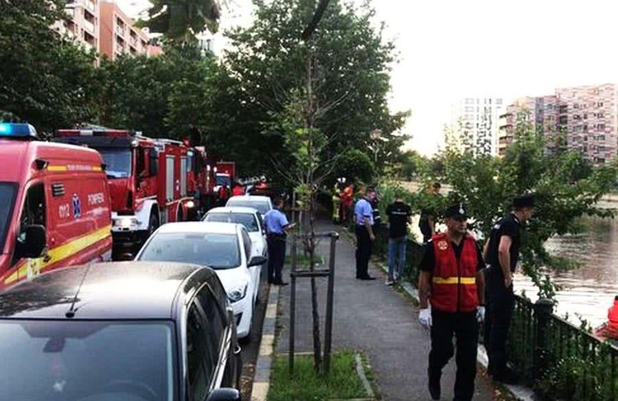 Intervenția echipajelor de salvare a fost zadarnică, iar bărbatul nu a mai putut fi salvat // FOTO:  Mediafax