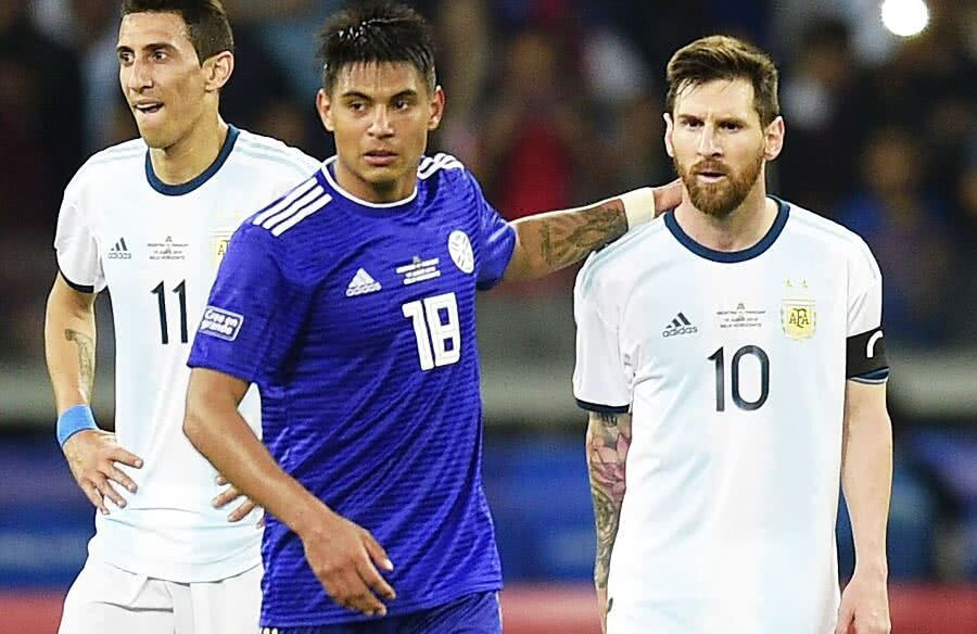Leo Messi în meciul cu Paraguay // FOTO: Guliver/Getty Images