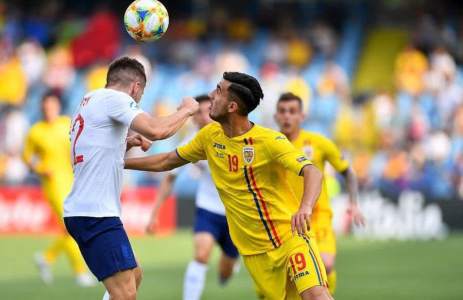 Andrei Ivan în duel cu un englez, foto: Raed Krishan, GSP