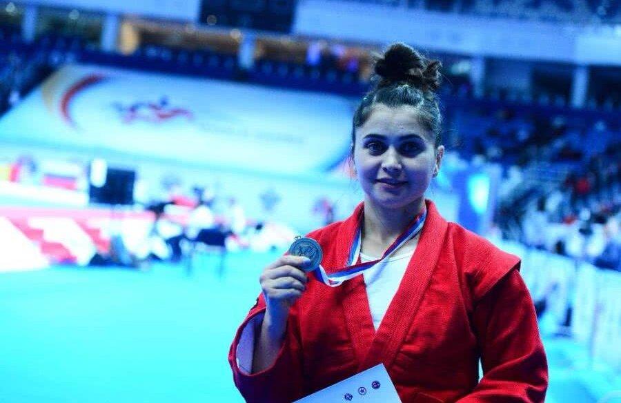 FOTO: Facebook CS Dinamo // Daniela Poroineanu a deschis seria medaliilor pentru România la Jocurile Olimpice Europene FOTO